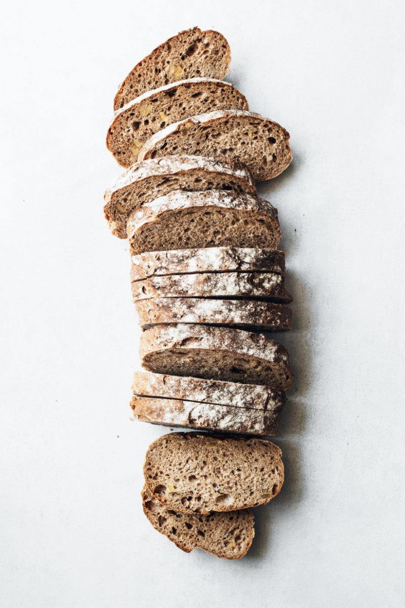 geschnittenes Brot, Brot als Ballaststoffquelle